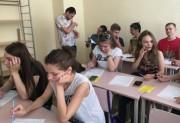 Выпускники техникума кадровых ресурсов отвечают на вопросы анкеты отдела по трудоустройству ВГСПУ
