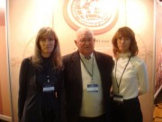 В.А. Брылев с выпускницами нашего вуза,  учителями географии -сестрами Забара Татьяной и Ольгой