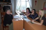 Студентки с В.Л. Мелиховой
