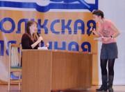 Заместитель декана Е.В. Каунова принимает экзамен