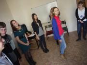 Школьники участвуют в тренинге