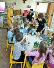 Организаторы и участники акции в детском саду №180