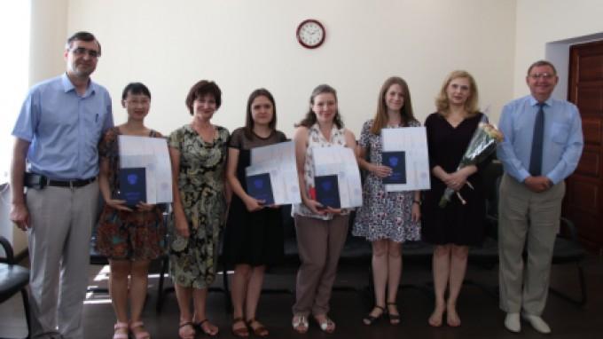 Аспиранты ВГСПУ получили дипломы