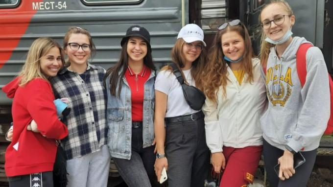 Студенты ВГСПУ отправились в Артек на все лето