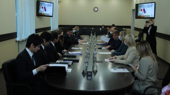 В ВГСПУ состоялась встреча Чрезвычайного и Полномочного Посла Японии в РФ с ректорами вузов волгоградского региона