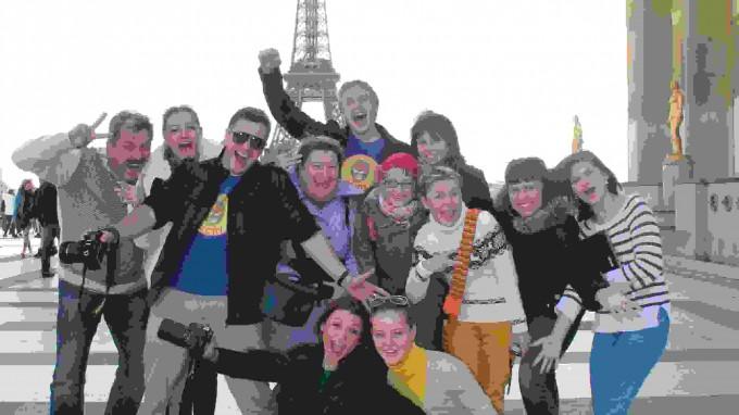 Какой Париж без Эйфелевой башни!