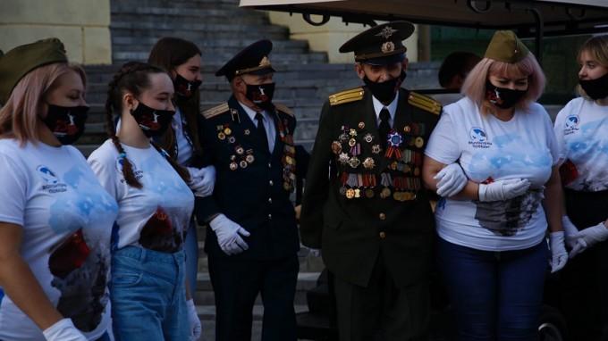 Студенты ВГСПУ приняли участие в организации военного парада
